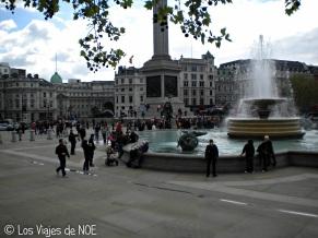 Trafalgar Square (lleno de gente!! 2)